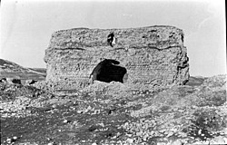 Qesr-i Shirin March1911 Photo by Gertrude Bell 18.jpg