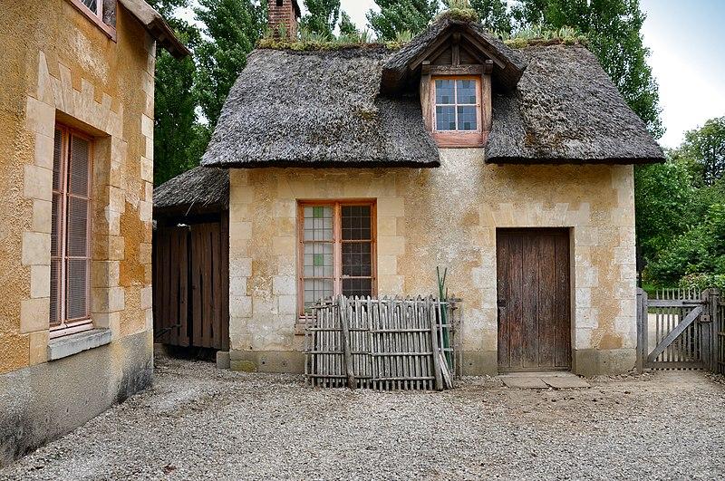 File:Réchauffoir au hameau de la Reine - Maison des valets de pied.jpg