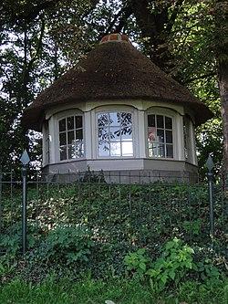 Ravenstein Rijksmonument 518232 tuinkoepel bij Coothstraat 7.JPG