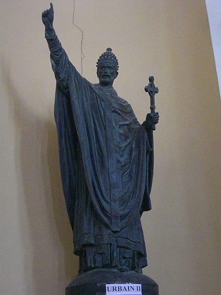 File:Reims - basilique Sainte-Clotilde, intérieur (08).JPG