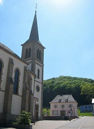 Reisdorf - Image: Reisdorf Town Hall And Church 2188