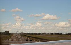 Rijksweg5-polderbaanviaduct.jpg
