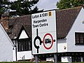 Roadsign on the A1081 St.Aldans Road - geograph.org.uk - 1403175.jpg