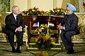 Robert M. Gates meets with Indian Prime Minister Manmohan Singh.jpg
