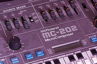 Groovebox - Roland MC-202 (1983)