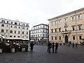 Roma, Piazza di Santa Maria in Trastevere (4).jpg