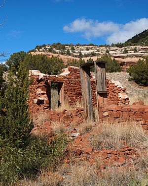 Kiowa National Grassland - Ruins in Mill's Canyon, Kiowa Natl. Grassland