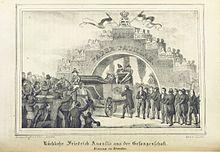 Rückkehr Friedrich Augusts aus der Gefangenschaft am 7. Juni 1815, Empfang in Dresden durch die am Pirnaischen Tore aufgebaute Ehrenpforte mit dem Schriftzug Salve Pater patriae (Quelle: Wikimedia)