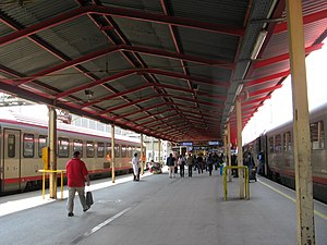 Salzburg Hauptbahnhof - Platform for tracks 2 (through track) and 11 (terminating track).