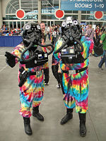 File:San Diego Comic-Con 2011 - Tie Dye Fighter Pilots (5976788245).jpg