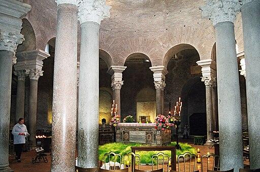 Santa Costanza. Interior