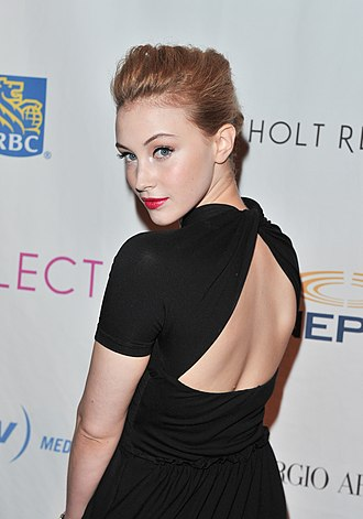 Sarah Gadon - Gadon at the 18th CFC Annual Gala and Auction