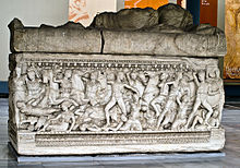 220px-Sarcophagus-from-Salonica.jpg