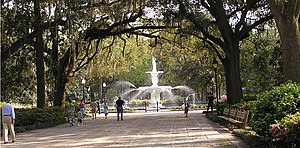 Forsyth Park - Image: Savannah Georgia Forsyth Park Walkway And Fountain 2006