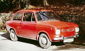Seat 850 2 door Madrid.jpg