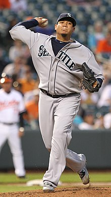 Seattle Mariners starting pitcher Felix Hernandez (34) (5712186216).jpg