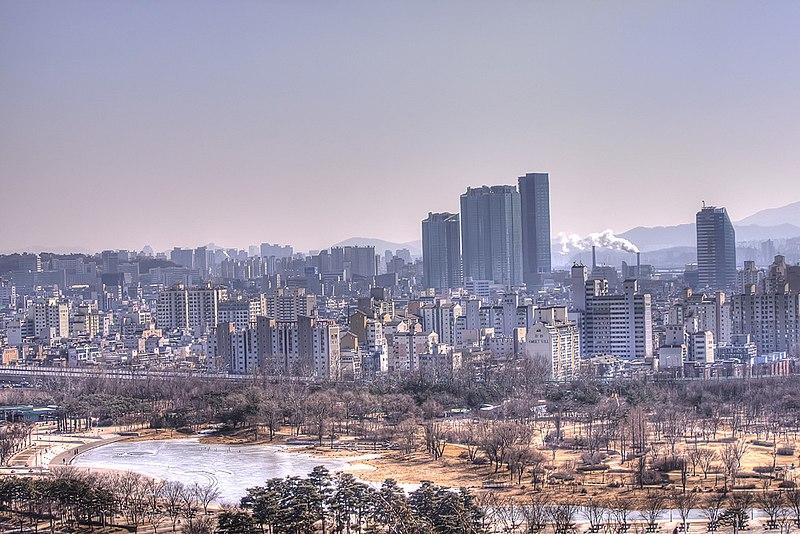 File:Seoul Cityscape From the Sky Park (6907573433).jpg