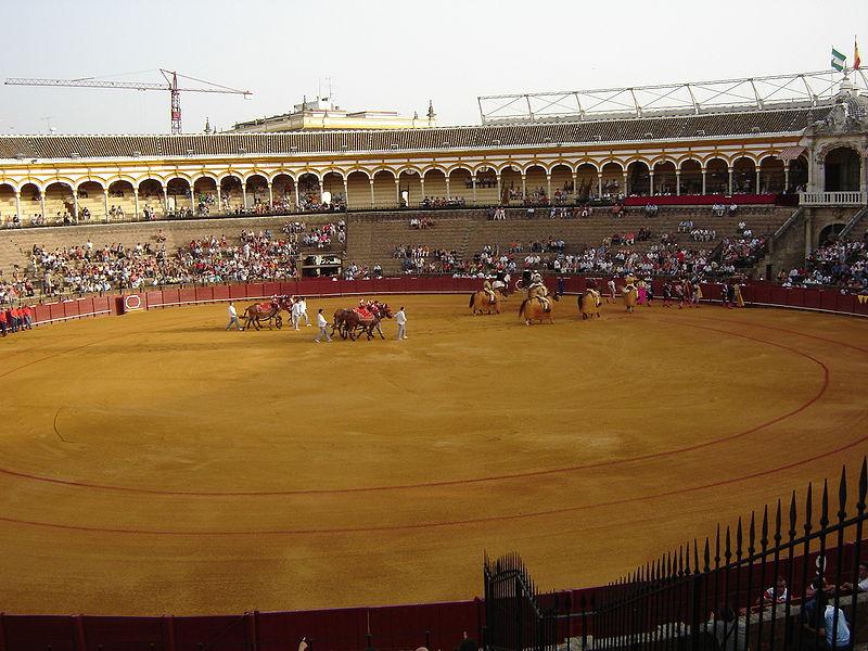 جــولــة ســيــاحــيــة بــإشــبــيــلــيــة ☼ 800px-Sevilla_Plaza_de_Toros_interior.JPG