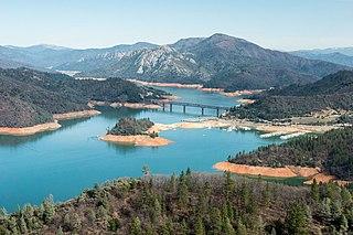320px-Shasta_Lake_refills_2016