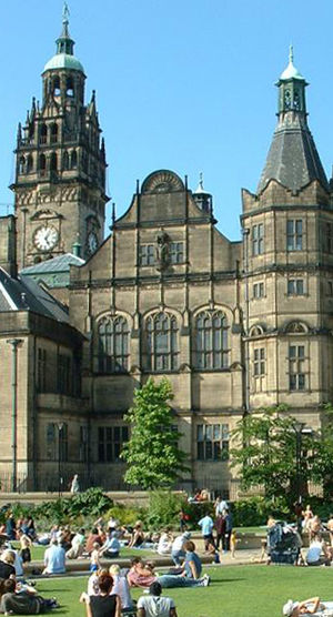 Sheffield Town Hall - Image: Sheffield Town Hall and The Peace Gardens