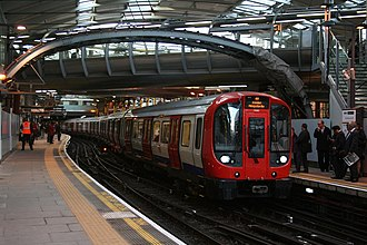 Metropolitan line - Metropolitan line train at Farringdon bound to Amersham.