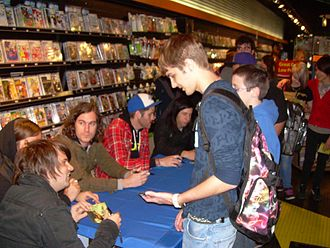 Silverstein (band) - Silverstein at a fan signing at FYE in Chicago, 28 April 2009