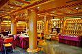 Singapore Buddha Tooth Relic Temple Innen Verstorbenenhalle 1.jpg