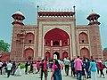 Sirhi Darwaja facing the inner entrance gate of the Taj2.jpg