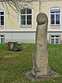 Skulptur-Phallus-Friedrichst.jpg