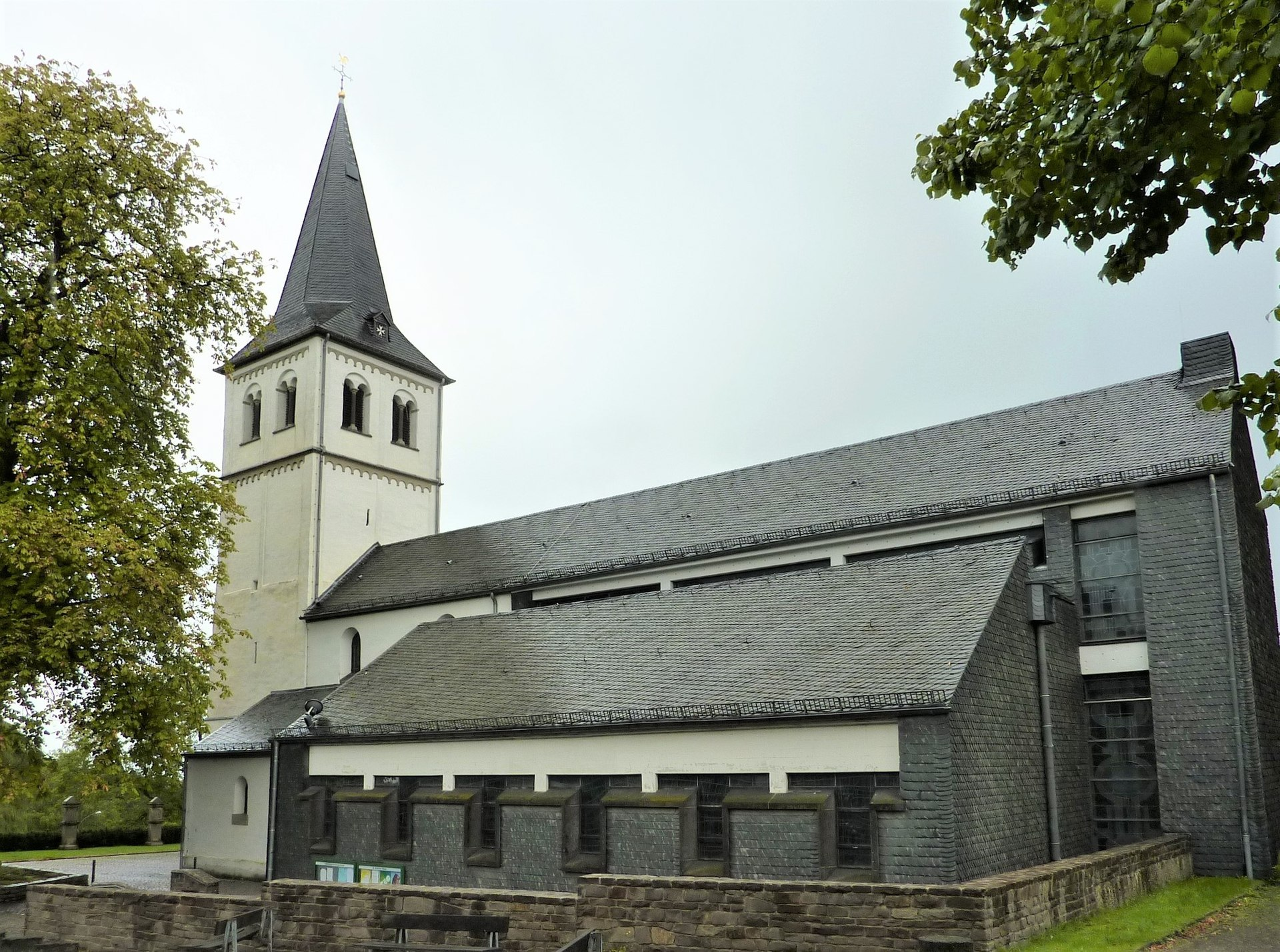 St. Antonius Abbas (Herkenrath) – Wikipedia