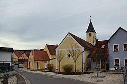 Die Filialkirche St. Johannes in Schönhofen im Landkreis Regensburg