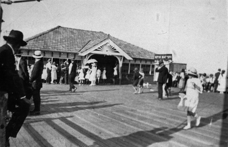 File:StateLibQld 2 196295 People enjoying a day out at the jetty and kiosk at Manly, 1922.jpg