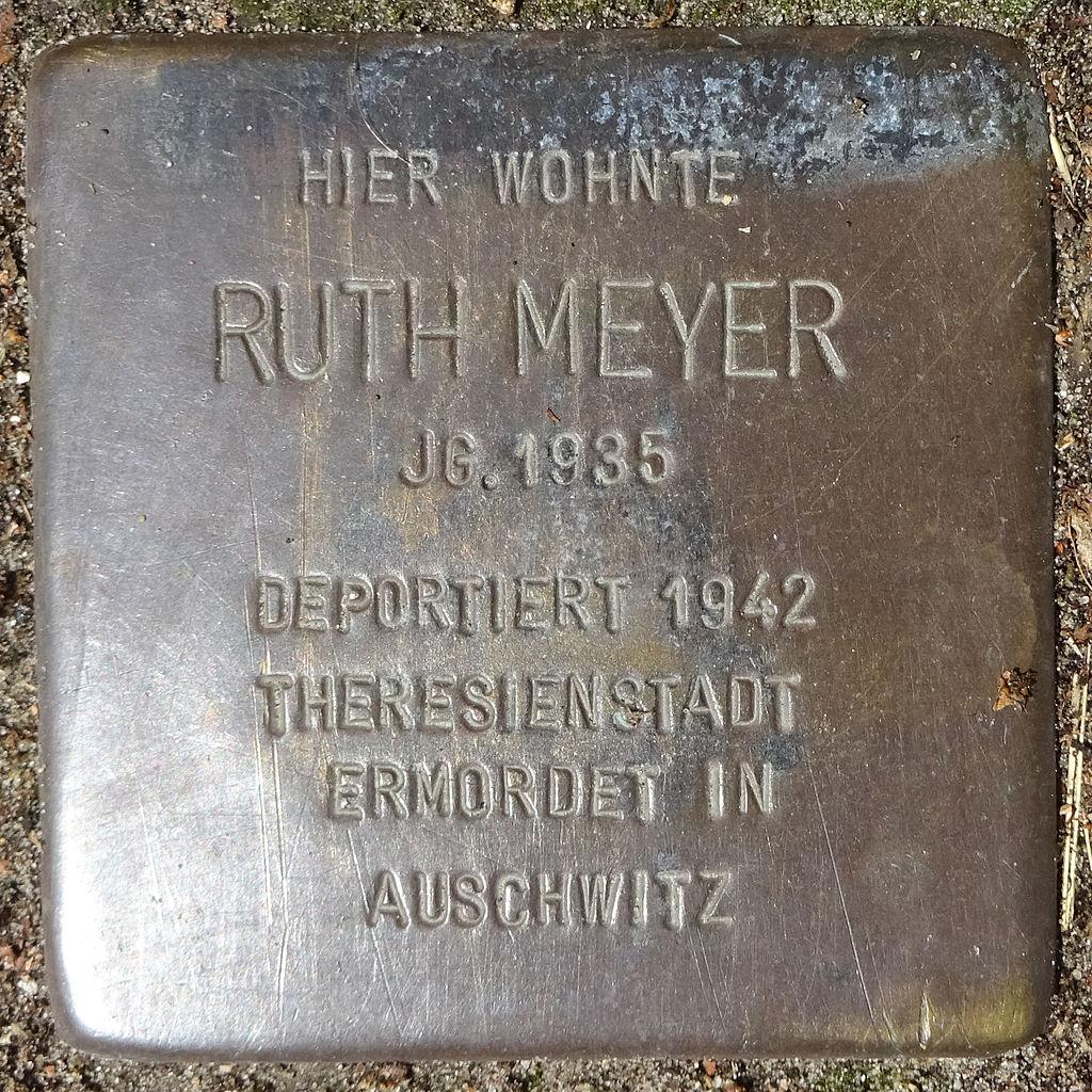 Stolperstein Karolinenstraße 35 (Ruth Meyer) in Hamburg-St. Pauli.JPG