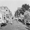 Straatorgels bij opening gerestaureerd pand hoek Amstel en Nieuwe Kerkstraat te , Bestanddeelnr 926-5393.jpg