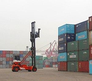 Straight mast container handler 01.jpg