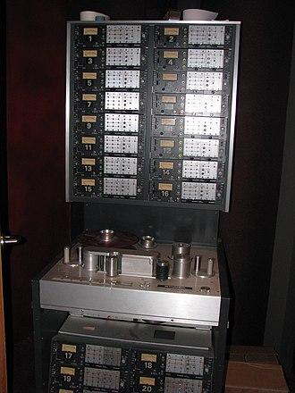 Studer - Image: Studer A80 24 track recorder