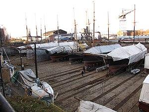 Suomenlinnan telakka talvella 1.JPG
