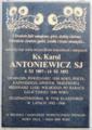 Tablica pamiatkowa Karola Antoniewicza.png