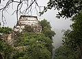 Tepozteco La piramide al borde del barranco entre el misterio de la niebla.jpg