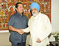The Chief Minister of Mizoram, Shri Lal Thanhawla meeting the Deputy Chairman, Planning Commission, Shri Montek Singh Ahluwalia for finalizing plan size for 2012-13 for the State, in New Delhi on June 06, 2012.jpg