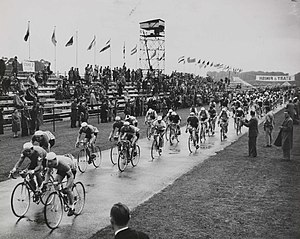 Cycling at the 1948 Summer Olympics – Men's individual road race - Image: The Olympic Cycling Road Race at Windsor, London, 1948. (7649954084)