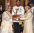 The President, Shri Pranab Mukherjee presenting the Padma Bhushan Award to Prof. (Dr.) Devi Prasad Dwivedi, at the Civil Investiture Ceremony, at Rashtrapati Bhavan, in New Delhi on April 13, 2017.jpg