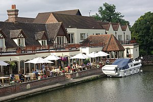 Streatley, Berkshire - The Swan (hotel).