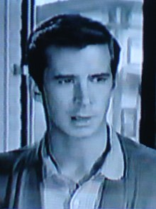 O actor estatounitense Anthony Perkins, en una imachen d'a cinta The Tin Star (1957)