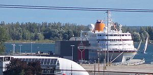 This cruise ship is moored at what was once the international ferry terminal for the fast ferry between Toronto and Rochester -a.jpg