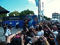 Tour de France - Etape 4 - Foule autour de Lance Armstrong by Mikani.JPG