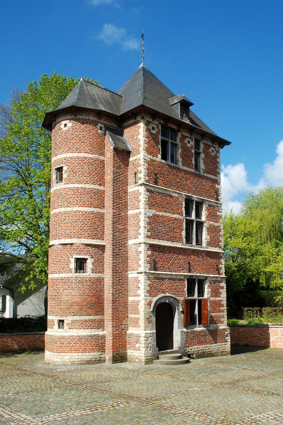 Tourette de nivelles wikip dia Architecture traditionnelle