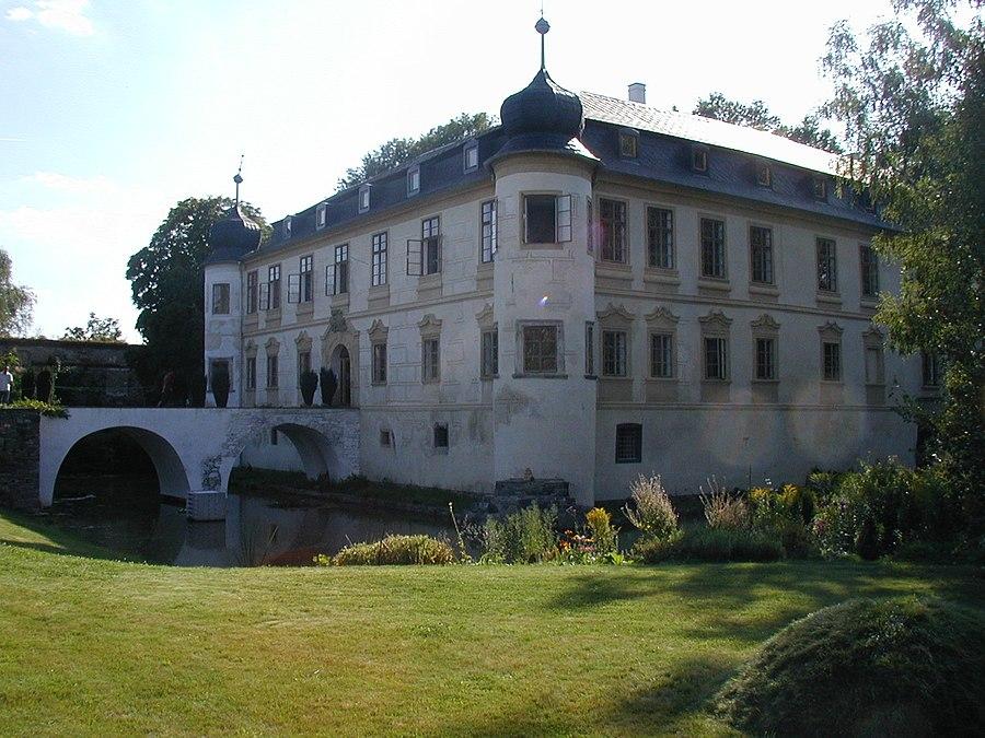 Třebešice Castle