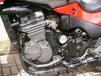 Triumph Triple - Triumph 900cc engine in Daytona Sprint Special (LH)