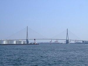 Tsurumi-tsubasa-bridge.jpg